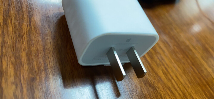 Apple 5W USB 电源适配器 iPhone iPad 手机 平板 充电器 晒单图
