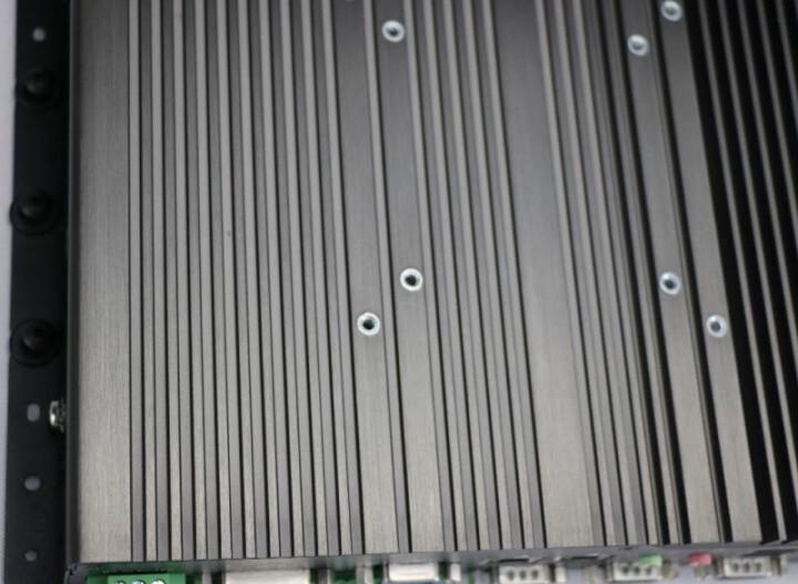 【慧采】天迪工控服务器加固无风扇工控机16路Dio多串口重工业低功耗CPUWUFO-5000-FBP 黑色/6COM/2LAN/DC12V电源 i5-6300U/4G/固态128G 晒单图