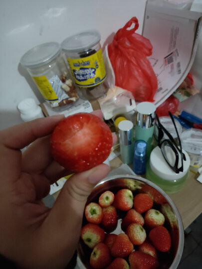 【两件立减10元】同城果鲜 江苏红颜奶油草莓 新鲜草莓水果 1kg礼盒装 晒单图