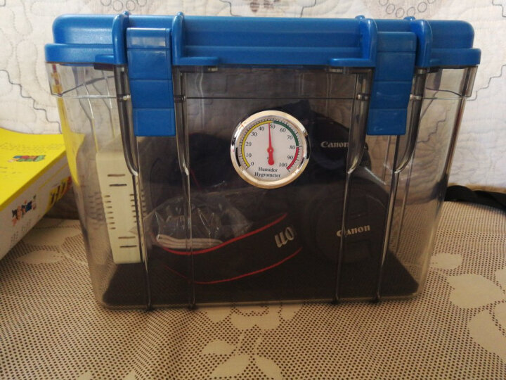 锐玛(EIRMAI) R10 单反相机干燥箱 防潮箱 密封镜头电子箱  中号 送大号吸湿卡 炫蓝色 晒单图