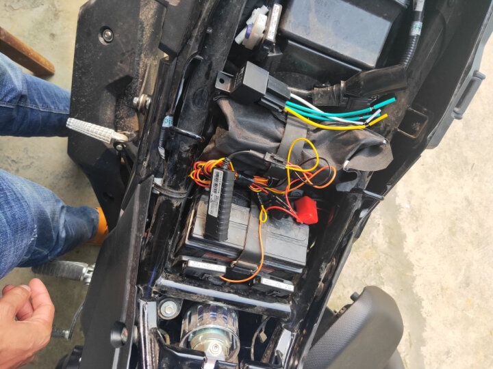 力犬 GPS定位器 汽车 摩托车 电动车 防水防盗微型追踪器 跟踪器定位仪 车载GPS卫星防盗器G1 摩托车汽车(9-90V)+终身平台+终身卡+继电器 晒单图