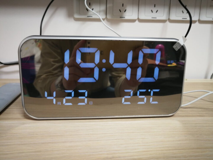 TXL闹钟和弦LED音乐钟电子时钟座钟床头夜光数字闹钟睿思K灰色红灯 晒单图