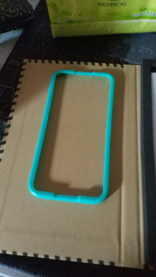 亿色(ESR) iPhone SE/5s/5/5c钢化膜 手机支架指环扣 抗蓝光钢化膜+指环扣套装  晒单图