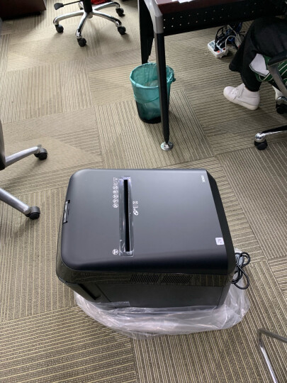 Fellowes范罗士200C商务办公碎纸机一次200张全自动碎纸(32L容量碎卡碎光盘) 晒单图
