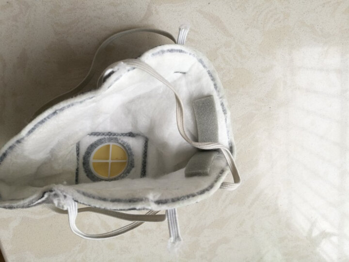 3M 9913V活性炭口罩防装修甲醛异味 防雾霾防尘油漆味喷漆 带呼吸阀口罩(头带式)(10只/盒) 晒单图