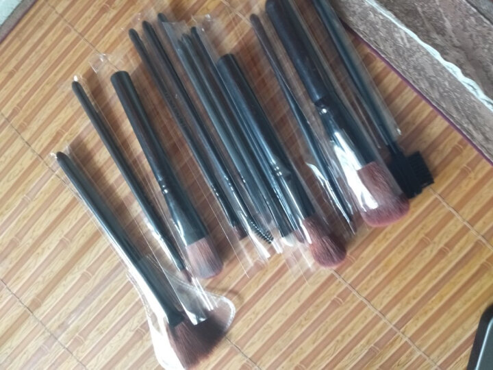 12支化妆套刷桶组合 化妆刷子初学便携化妆刷筒套装专业工具铁盒 12只酷黑色化妆刷套装 晒单图