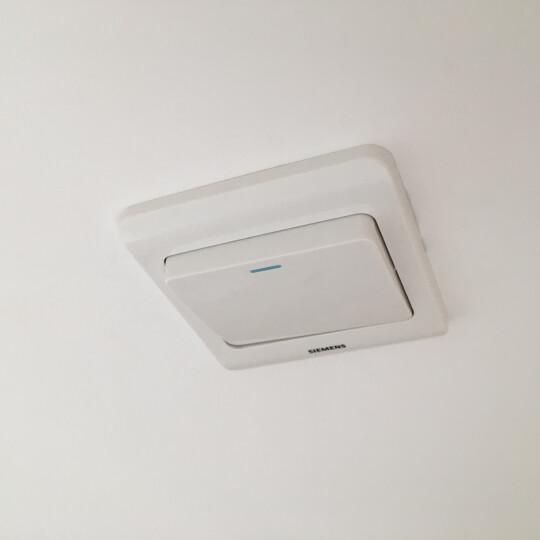 西门子(SIEMENS)开关插座 一开双控带荧光面板 86型暗装面板 远景雅白色 晒单图