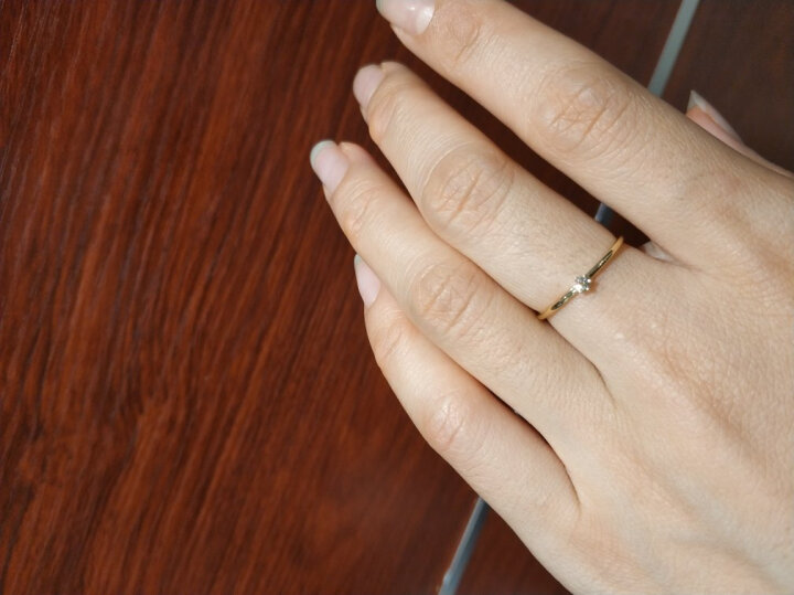 周大福【刻字】简约时尚 18K金镶钻石戒指/钻戒 U159096 13号 1600元 晒单图