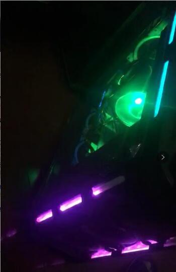 美商海盗船(USCORSAIR)DDR4 2400 16GB(8G×2)套装 台式机内存条 复仇者LPX系列 双通道游戏型 晒单图