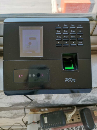 中控智慧(ZKTeco)人脸指纹考勤机 高速识别打卡机 自助报表 WIFI传输 UF100plus 晒单图