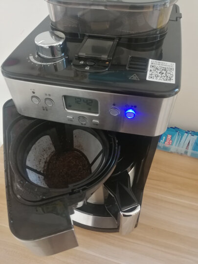 飞利浦(PHILIPS)咖啡机 家用全自动滴滤式带磨豆保温预约功能 HD7753/00 晒单图