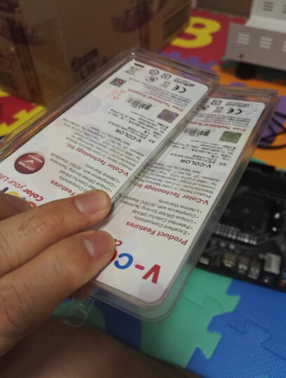 全何(V-Color) DDR4 2400 8GB 台式机內存 彩条 晒单图