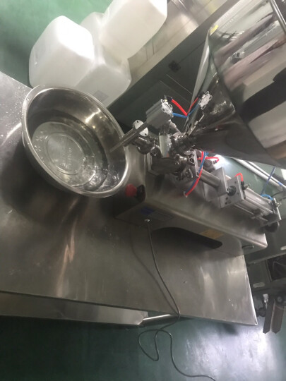 鑫凯驰(XINKAICHI) 液体膏体气动灌装机牛奶酒水蜂蜜定量分装机 单头膏体5-100ml 晒单图