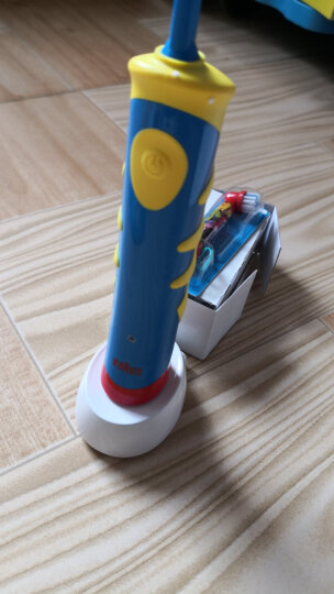 欧乐B儿童电动牙刷 小圆头牙刷电池式(5岁+适用)疯狂赛车款DB4510K 晒单图