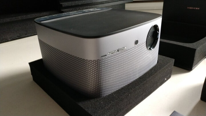 极米(XGIMI)H1S 家用 投影机 投影仪(1080P分辨率 哈曼卡顿音响 1100流明 左右梯形校正 全自动对焦) 晒单图
