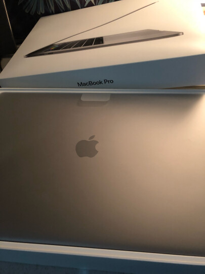 Apple MacBook Pro 15.4英寸笔记本电脑 深空灰色(2017Multi-Touch Bar/Core i7/16GB/512GB MPTT2CH/A) 晒单图