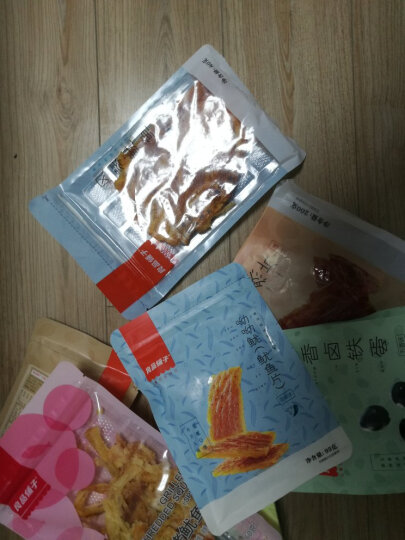 良品铺子 长沙臭豆腐 湖南特产 正宗黑色油炸豆腐干香辣味 零食小吃80g 晒单图