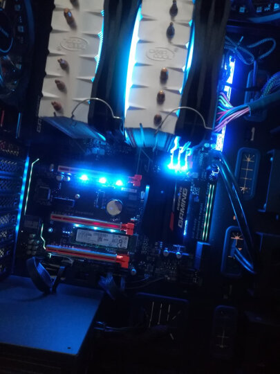 九州风神 DEEPCOOL 大霜塔RGB风冷CPU散热器(多平台/支持2066/AM4平台/6热管/智能温控/双RGB风扇/附带硅脂) 晒单图