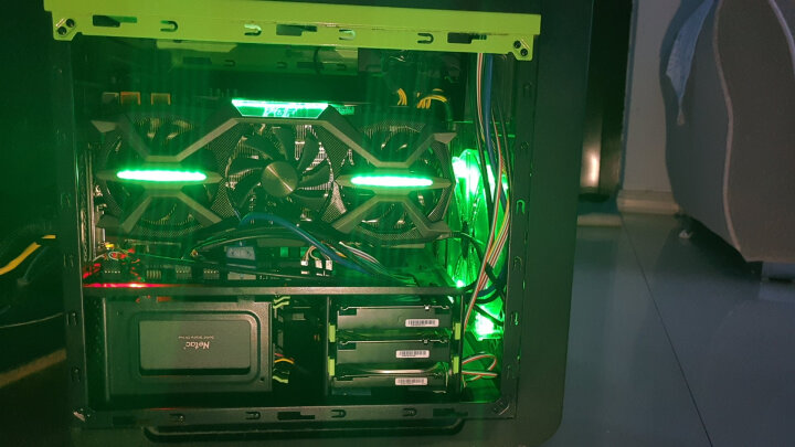 索泰(ZOTAC)GeForce GTX1070-8GD5玩家力量至尊OC 绝地求生/吃鸡显卡 1594-1784/8058MHz 8G/256bit 晒单图