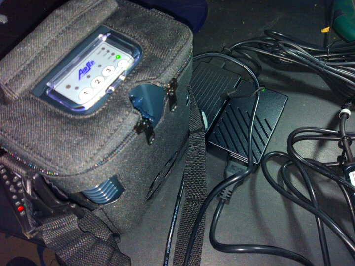 亚适 制氧机 FreeStyle便携式氧气机 3/5升制氧机 吸氧机 登山 外出 家用 医用 车载 3档便携血氧仪套餐 晒单图