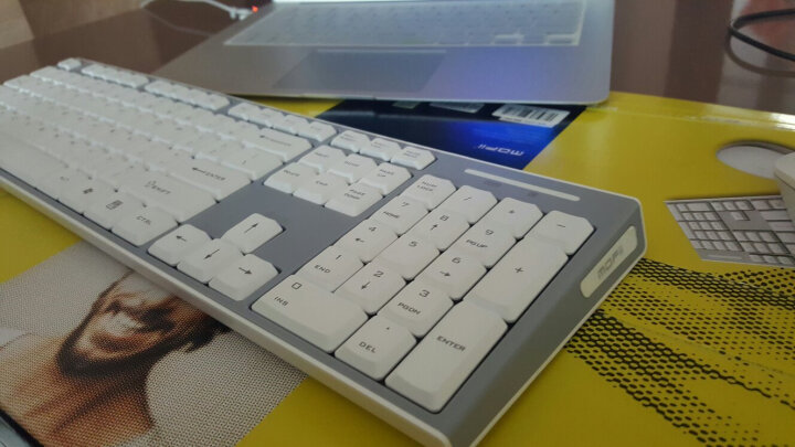 摩天手(Mofii) X130S 无线键鼠套装 薄款防溅水静音省电键盘 家用办公笔记本台式套件 白色 晒单图