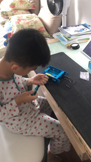 Makeblock官方直营店 mBot教育机器人套件 可编程智能机器人 儿童益智玩具 2.4G版粉色 晒单图