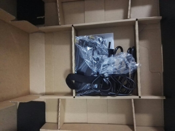 联想(Lenovo)拯救者R720 15.6英寸大屏游戏笔记本电脑(i7-7700HQ 8G 1T+128G SSD GTX1050Ti 4G IPS 黑) 晒单图