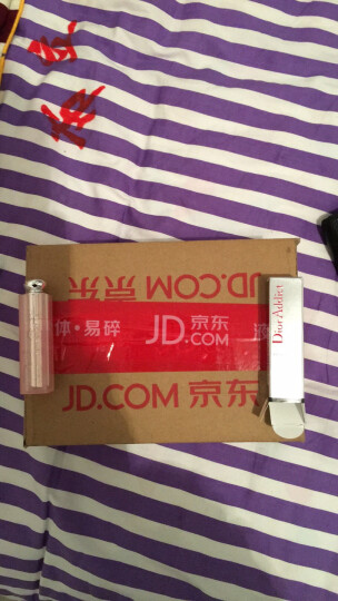 迪奥(Dior)魅惑润唇蜜001# 3.5g(又名:克里斯汀迪奥魅惑润唇膏001)变色 持久保湿 晒单图