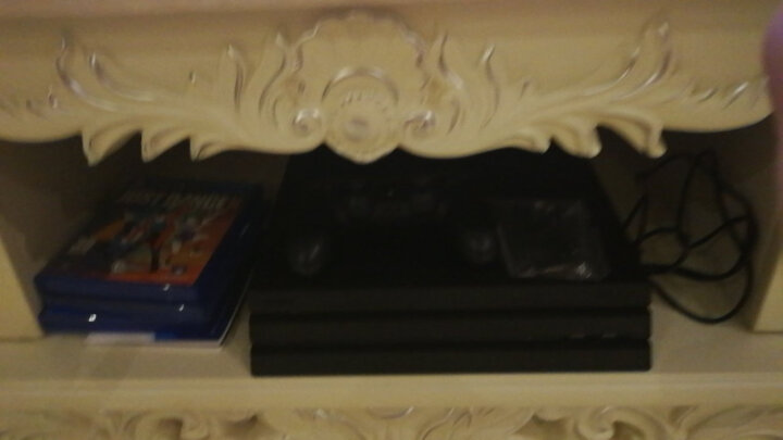 索尼(SONY)【PS4 Pro 国行主机】PlayStation 4 Pro 电脑娱乐游戏主机 1TB(黑色) 晒单图