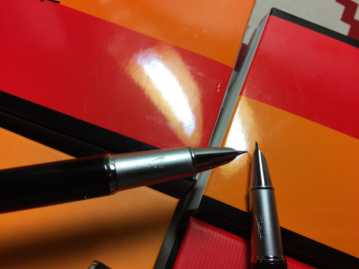 毕加索(pimio)916钢笔美工笔弯头弯尖硬笔书法钢笔男女士练字成人学生用礼盒装可刻字笔 1.0mm902玛瑙红美工笔弯尖 晒单图