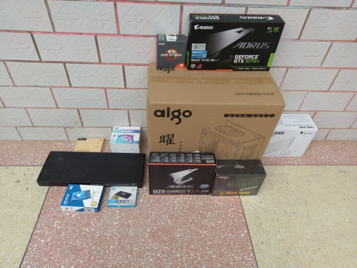 乔思伯(JONSBO)GA-01 显示器增高架 (全铝支架/钢化玻璃发光台面/桌面键盘收纳/前置双USB3.0口充电) 晒单图