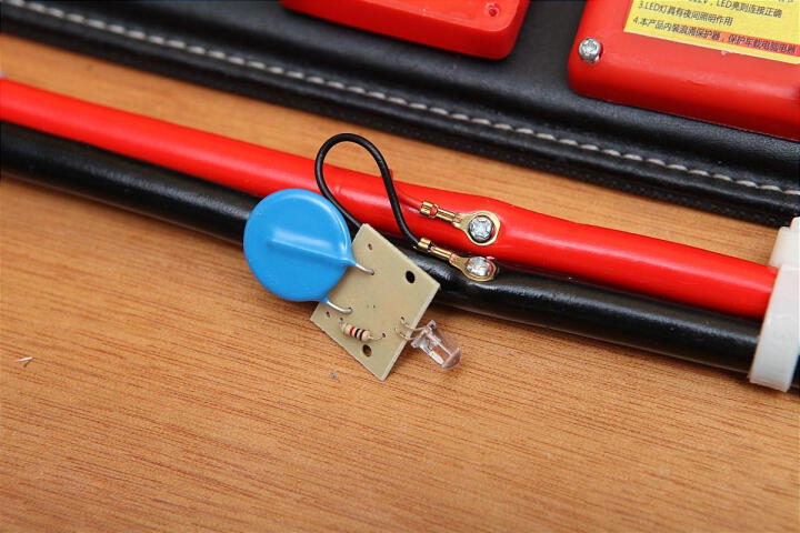 沿途 汽车电瓶搭火线 纯铜 4米 带电压过载保护器+提示灯 搭电线电瓶夹子连接打火 全铜过江龙 N06 晒单图