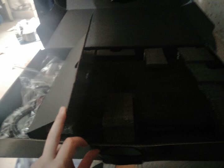 未来人类(Terrans Force)S6 15.6英寸游戏本(i7-7700K  16GB 256GB+1T GTX 1060  七彩背光键盘) 晒单图