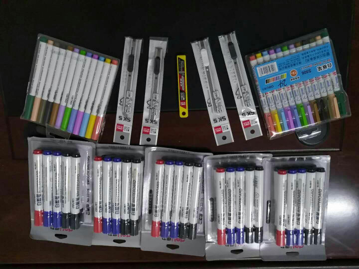 得力(deli)办公会议可擦易擦白板笔 10支组合装(7黑+2蓝+1红)33176 晒单图