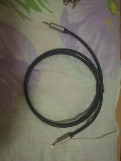 绿联(UGREEN)3.5mm转双莲花 音频线一分二 3.5转2RCA公对公连接线 手机电脑音响转接线 2米 10584 晒单图