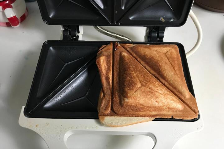 威马(GOODWAY) 香港威马GOODWAY三明治机烤面包机 双面加热烤机 米白色 晒单图
