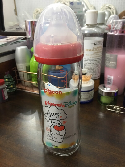 贝亲(Pigeon)AA150 Disney自然实感宽口径玻璃彩绘奶瓶240ml 配M奶嘴(大白-拥抱) 晒单图