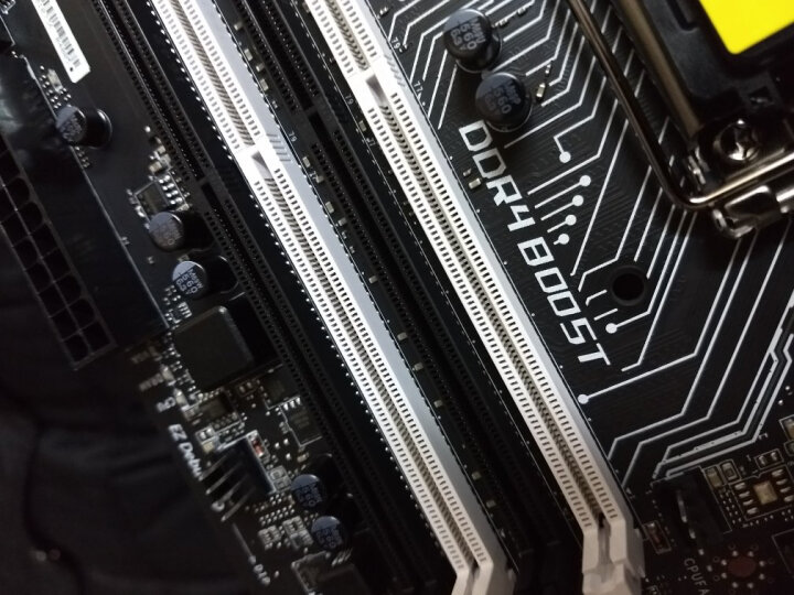 微星(MSI)B150 KRAIT GAMING主板 (Intel B150/LGA 1151) 晒单图