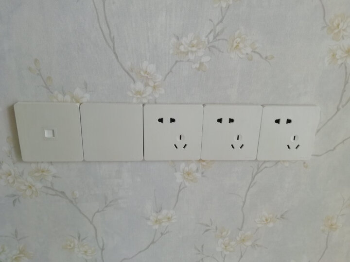 德力西开关插座 86型无边框开关墙壁电源插座带荧光拉丝珠光白 三开双控 晒单图