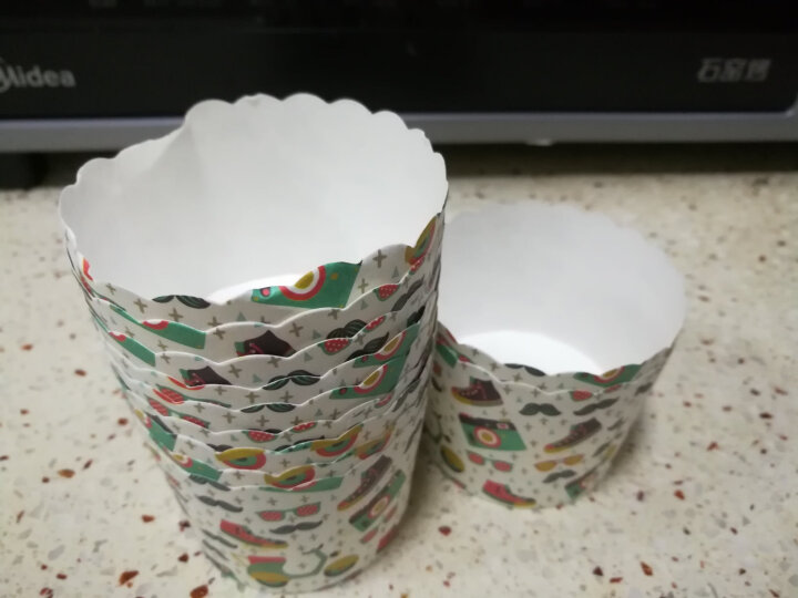 魔幻厨房 烘焙工具 纸杯蛋糕纸杯 烘焙纸杯耐高温杯子马芬小蛋糕纸杯 25个装小号中号 花纹图案(中号) 晒单图