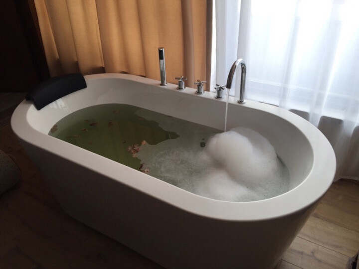 巴斯玛(BATHMALL) 巴斯玛 浴缸家用成人 独立式浴缸亚克力浴缸成人浴盆欧式浴池 空缸+五件套 约1.6米 晒单图