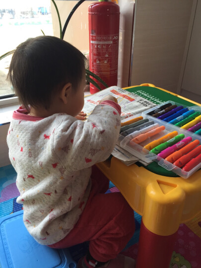 银河公园 TS7062丝滑炫彩蜡笔24色 幼儿彩笔油画棒涂鸦婴幼儿童画笔 无毒可水洗画笔可旋转画笔 晒单图