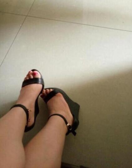 玉足天香凉鞋女坡跟厚底欧美超高跟鞋防水台真皮黑色一字扣小码33码 黑色10厘米 37 晒单图