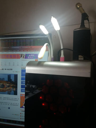 优思必 USB接口灯 台灯 学生护眼灯节能随身小夜灯便携式迷你创意阅读灯键盘灯 白色触控版开关可调节亮度 晒单图