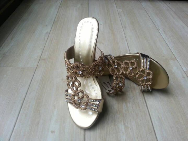 朵慕妮 2016夏季新款坡跟凉拖鞋 女式罗马凉拖 水钻高跟鱼嘴凉鞋女LS-118 金色 39 晒单图