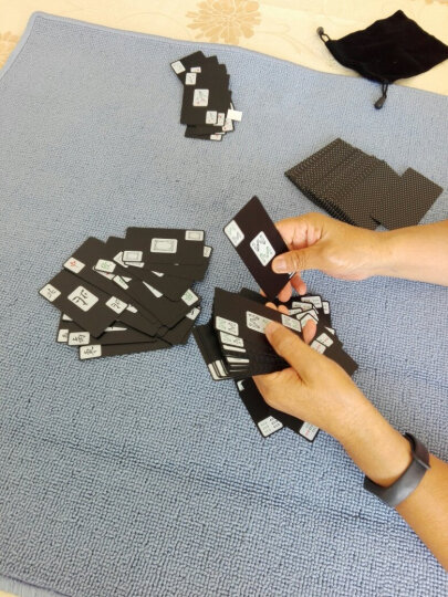 彤乐麻将纸牌PVC磨砂塑料防水麻将扑克牌迷你旅行便携式 黑玫瑰背纹一副+绒布袋 晒单图