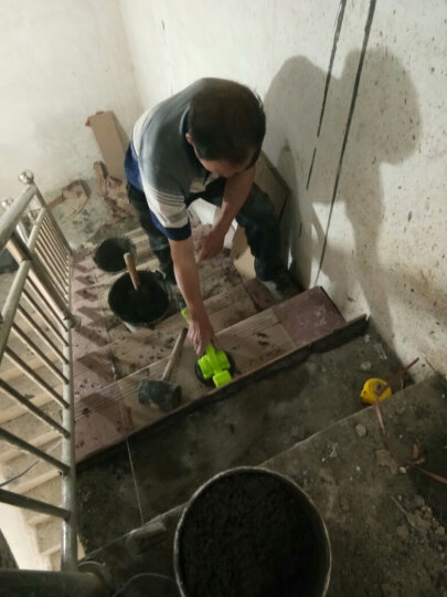 欧莱德瓷砖平铺机贴砖振动器 自动地砖墙砖铺砖工具贴瓷砖神器 橡胶款18款平铺机单电池工具箱装赠定位器 晒单图