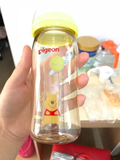 贝亲(Pigeon)AA161 Disney自然实感宽口径PPSU彩绘塑料奶瓶240ml 配M奶嘴(维尼-气球) 晒单图