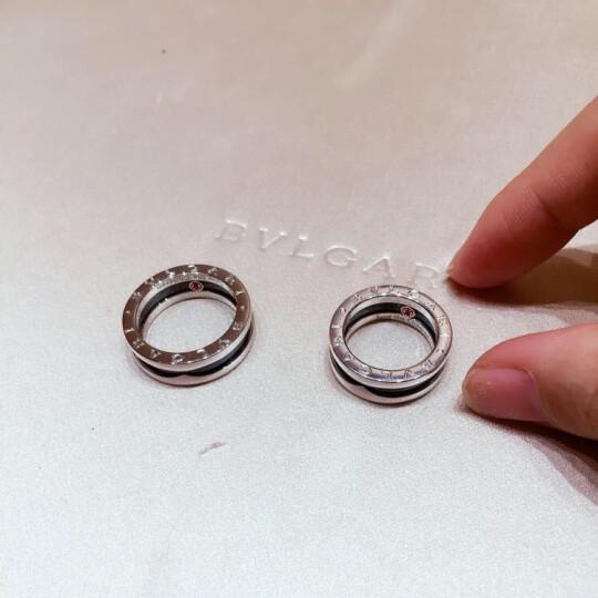 Bvlgari宝格丽戒指慈善款单圈戒指镶嵌黑色陶瓷AN855770情侣同款戒指预售 64(男士大码) 晒单图