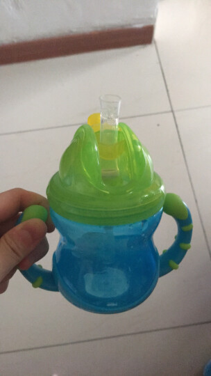 努比(Nuby)儿童吸管杯学饮杯 婴儿训练防漏宝宝水杯 美国品牌 240ml蓝色 晒单图